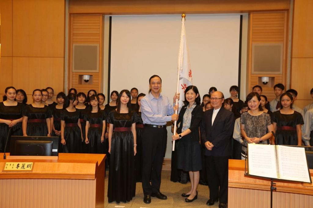 新北市長朱立倫(左) (照片由新北市政府提供)
