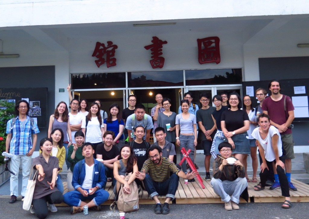 YWC gave tour in C-Lab (photo credit/ Taiwan Contemporary Culture Lab)