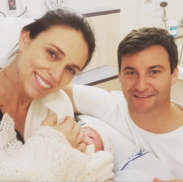 紐西蘭新上任女總理生了!放產假不忘公務