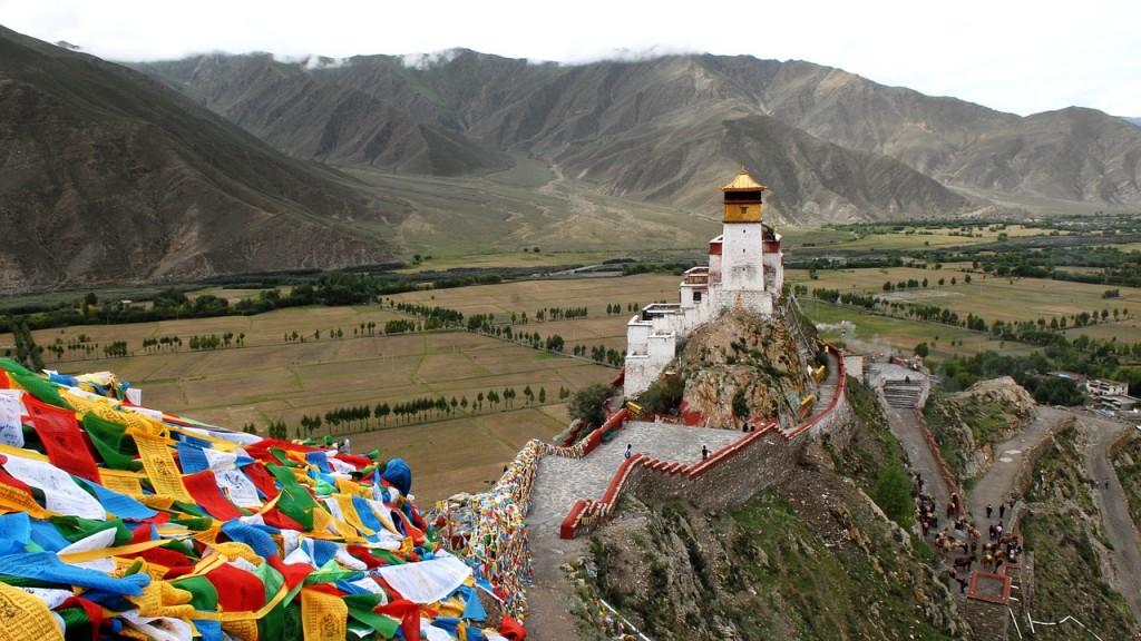 Tibetan monastery (Pixnet user: hbieser)