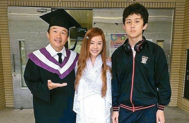 Sun Peng (left), Di Ying (center), An Tso Sun (right). (Facebook image)