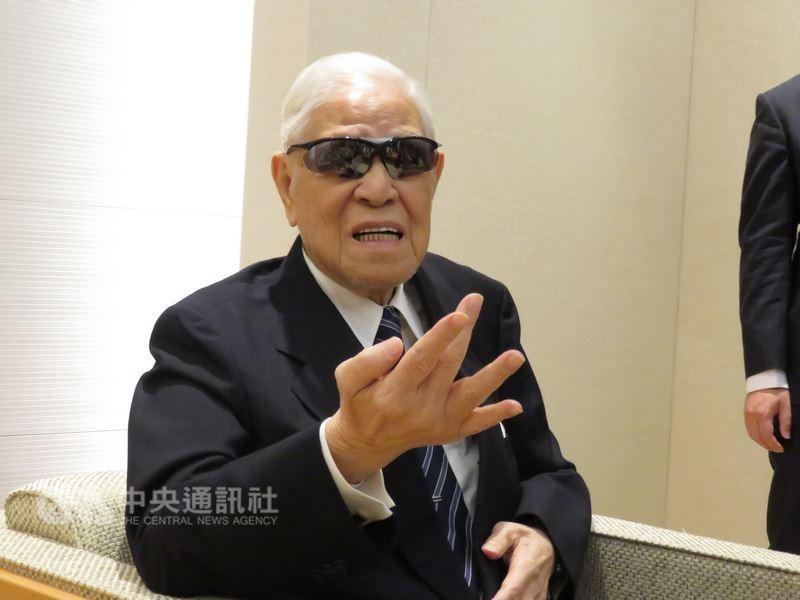 總統李登輝應邀到沖繩(琉球)參加二次大戰台灣戰亡者慰靈碑揭碑儀式,25日結束4天3夜的訪日。(中央社)