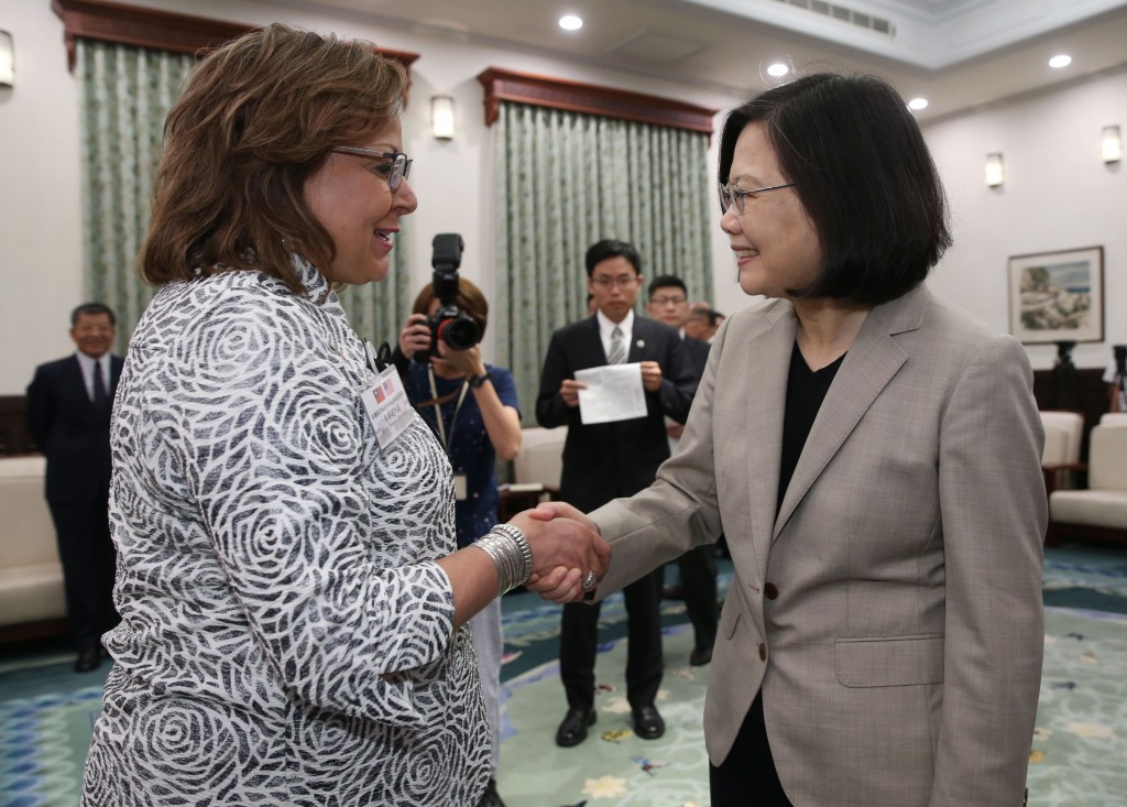 Governor Martinez (left) with President Tsai (Right)