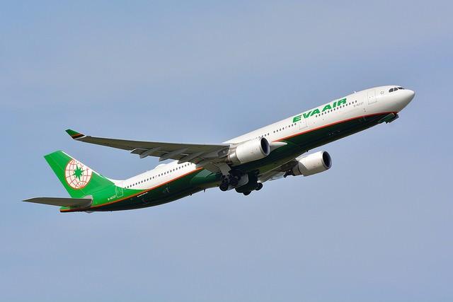 EVA Air Airbus A330-300 (Flickr user: Masakatsu Ukon)