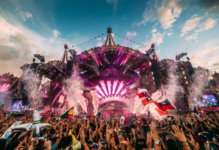 2017夏天於比利時舉辦的Tomorrowland音樂祭(照片來源:Tomorrowland 臉書)