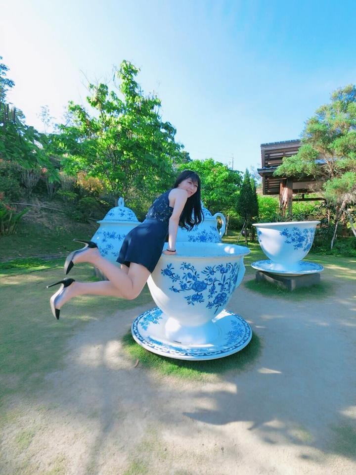 Photo of the Day: Tipsy tourist in Tainan, Taiwan