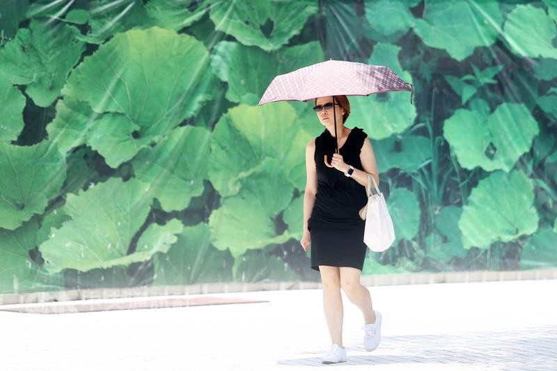 Friday was the hottest day of the year for Taipei so far, with a maximum of 38.5 Celsius.