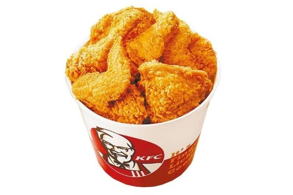 KFC fried chicken bucket meal. (Image from Pixnet.net)