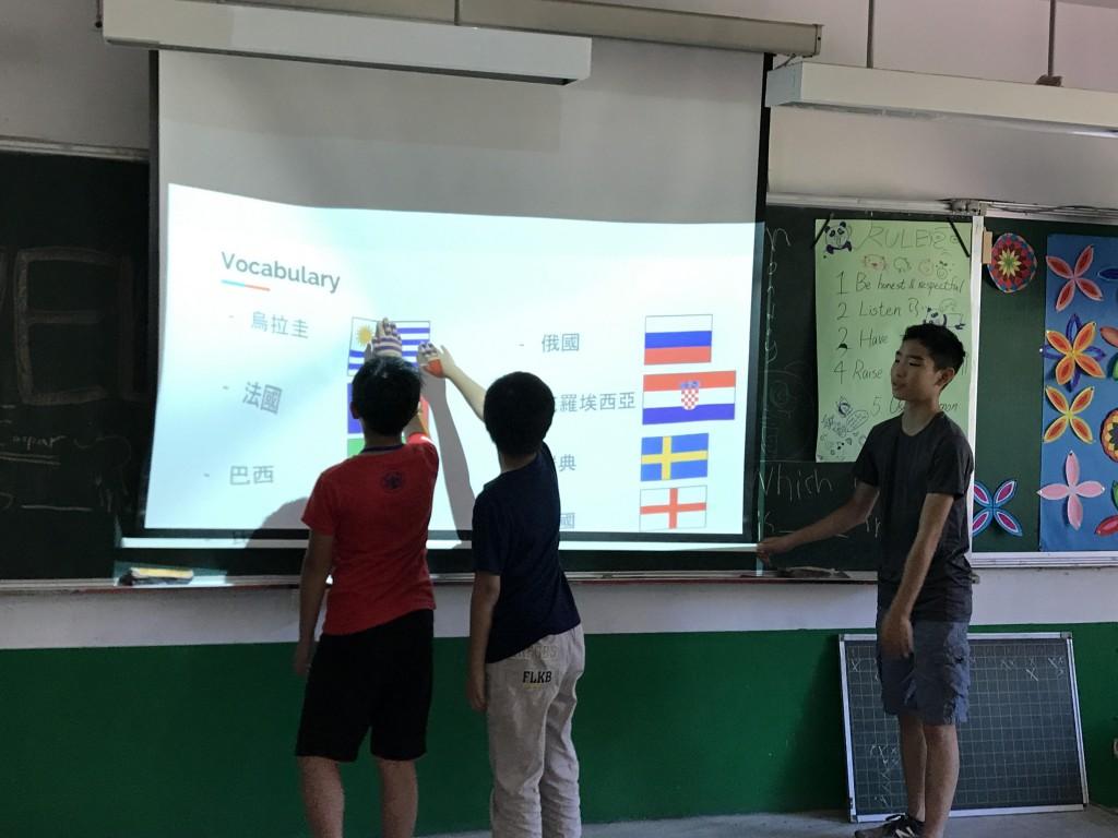 飄洋過海到新北,華裔志工化身最棒營隊教師-3 (新北市政府教育局提供)