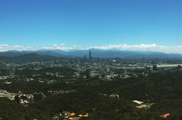 Great view from Neihu. (Photo by Eric Williams)