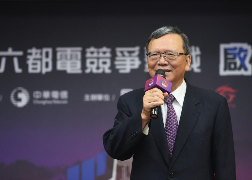 新聞附件圖二、中華電信董事長鄭優表示,中華電信力推電競產業,將推廣運動賽事的經驗應用於電競賽事,提供賽場超強網速,讓選手無後顧之憂盡情發揮