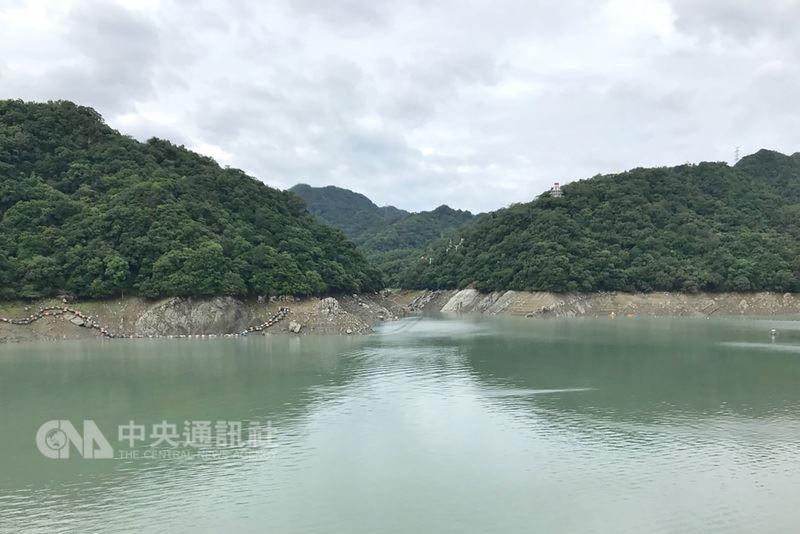 6月18日端午節3天連假期間,石門水庫集水區曾有大約1000萬噸進帳,水量止跌回升。中央社檔案照片