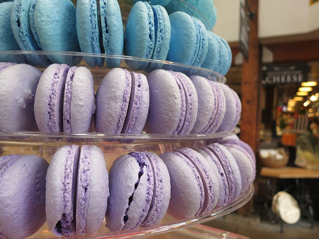 Colorful macarons (photo by Ruth Hartnup).