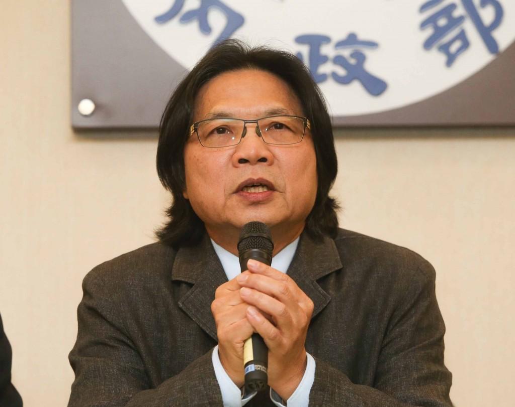 行政院12日宣布內閣改組,內政部長葉俊榮接任教育部長一職