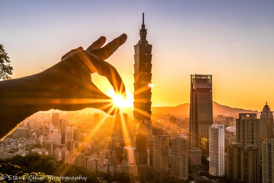 Sunset over Taipei. (Photo by Steve Chin)
