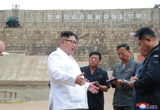 北韓水壩蓋不好,傳金正恩暴怒(翻攝自《勞動新聞》網路版)