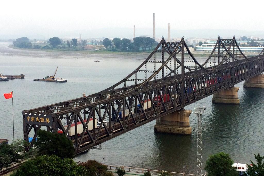 中國北韓邊境的「中朝友誼橋」(資料照,美聯社提供)