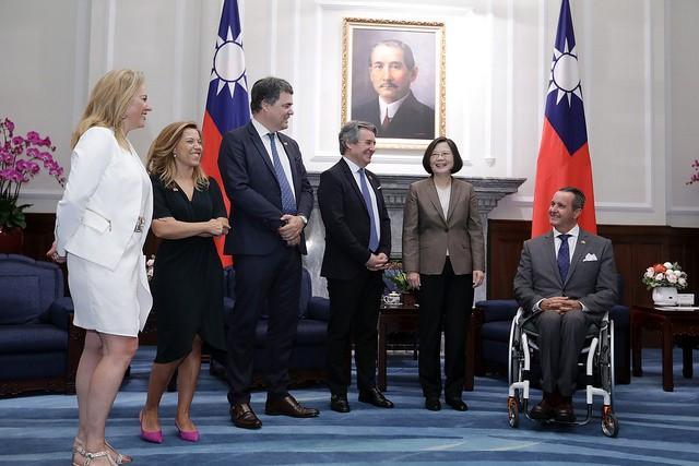 總統蔡英文30日接見西班牙眾議院議員團(照片來源:總統府提供)