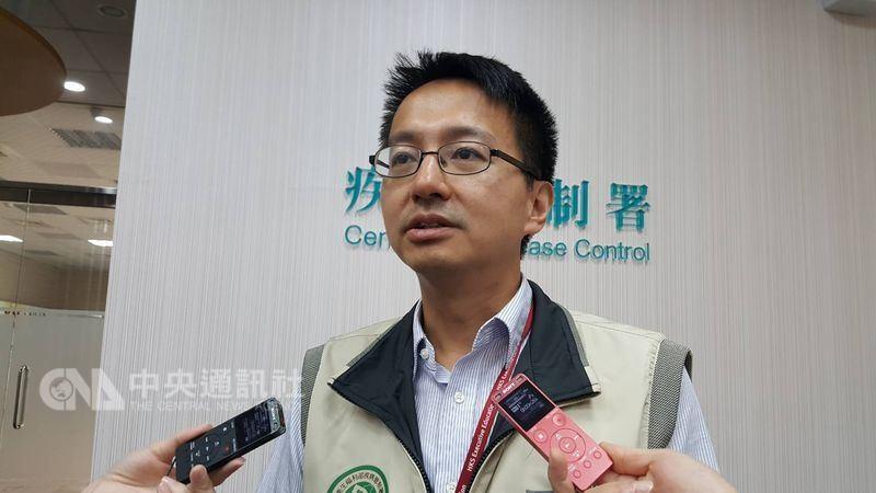 疾管署副署長羅一鈞(圖)31日表示,自費B肝疫苗目前市面約有5萬劑,提供給大醫院,但廠商已到貨10萬劑,估計8月中下旬就會正常供應。