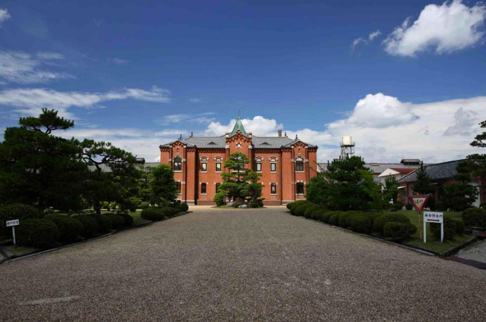 無印良品跨足建築設計打造首間日本奈良監獄飯店(圖片翻攝自Spoon&Tamago)
