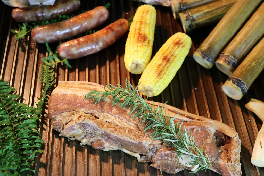 亞昕福朋喜來登中秋節BBQ派對推出百道原住民美食buffet。(照片由亞昕福朋喜來登提供)
