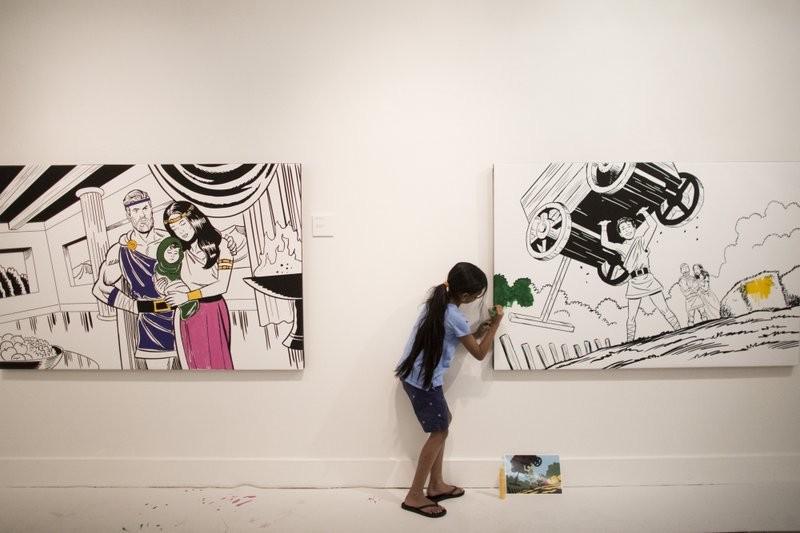 伍伯利美術館展覽,鼓勵民眾動手著色(美聯社)