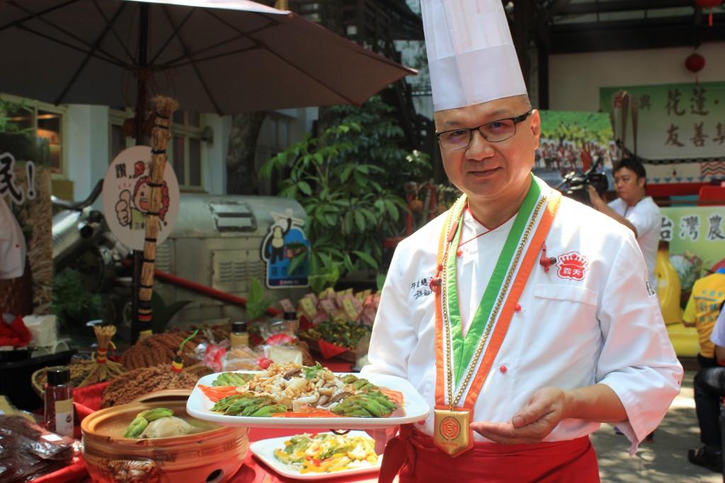 見學館餐廳總主廚胡朝光師傅