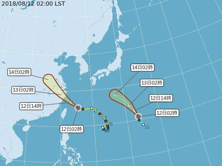 第14號颱風摩羯(左)與第15號颱風麗琵12日凌晨2時路徑潛勢預報。(圖取自中央氣象局網頁)