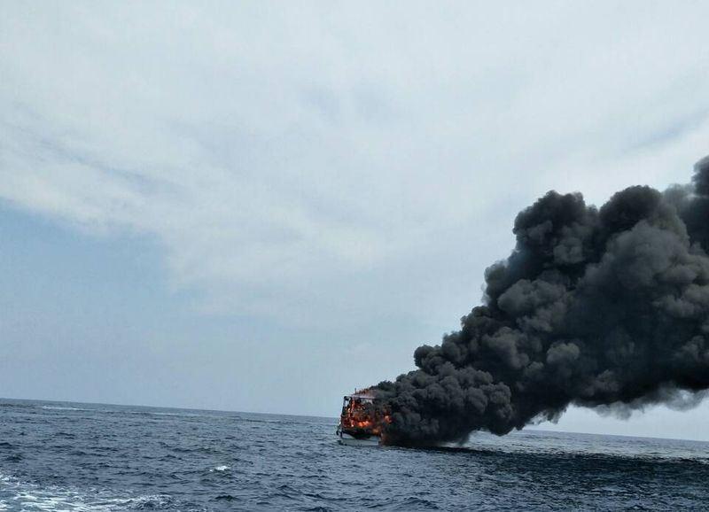 【快報】花蓮賞鯨船失火 46名旅客驚險逃生