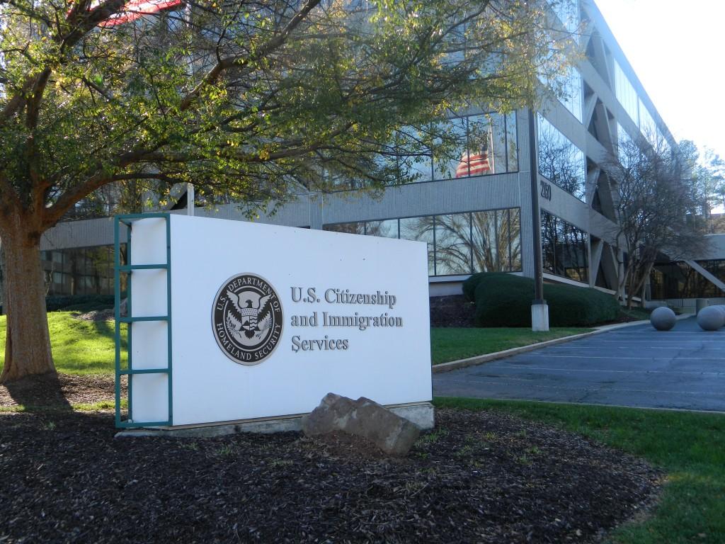美國公民及移民服務局(圖片來源:維基百科)