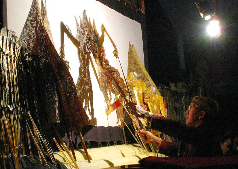 桃園市新住民文化會館將於9月舉辦印尼皮印尼皮影戲體驗講座(照片來源:維基百科)