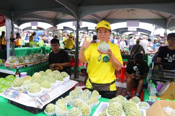 歸仁釋迦品種優,不僅大顆,果肉多且香甜。(台南市政府官網)