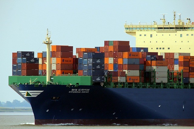 Shipping containers on ship. (Image courtesy of Pixabay)