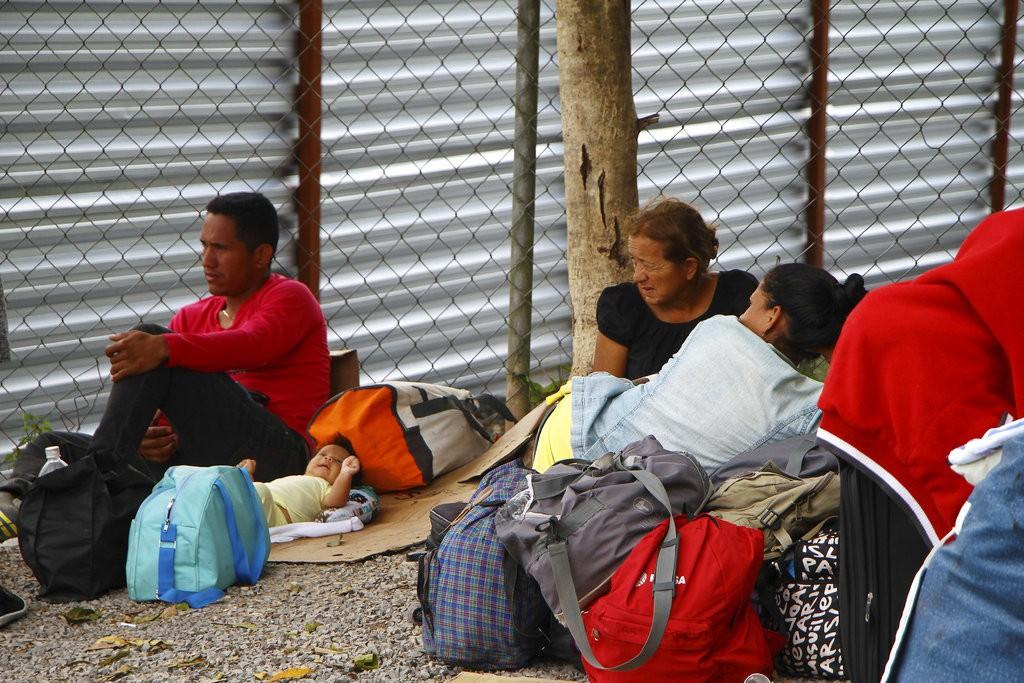 大量委國人民逃至巴西(圖片來源:美聯社)