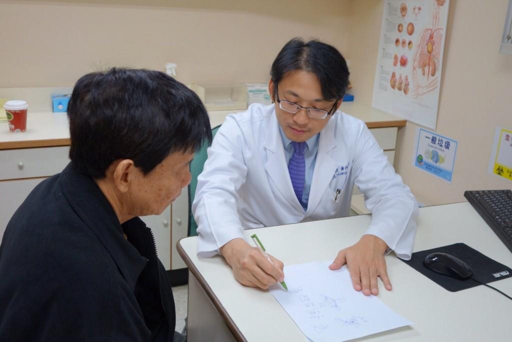 胃癌發生以中老年居多,60%以上的胃癌病人需接受根除手術治療。(此為示意圖非病患本人) (長庚醫院提供)