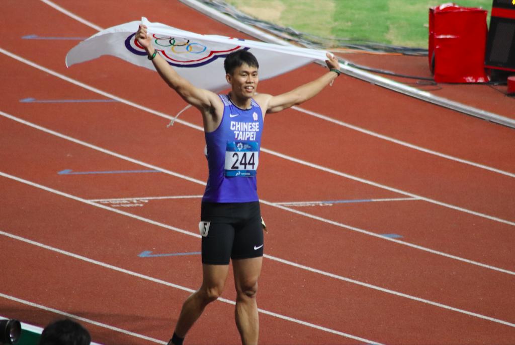 《亞運》110公尺跨欄好手陳奎儒破全國紀錄摘銀牌