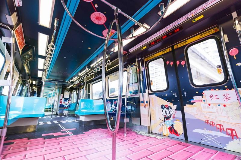 Taipei Metro Disney-themed trains (Photo by FB Travel Taipei 台北旅遊網)