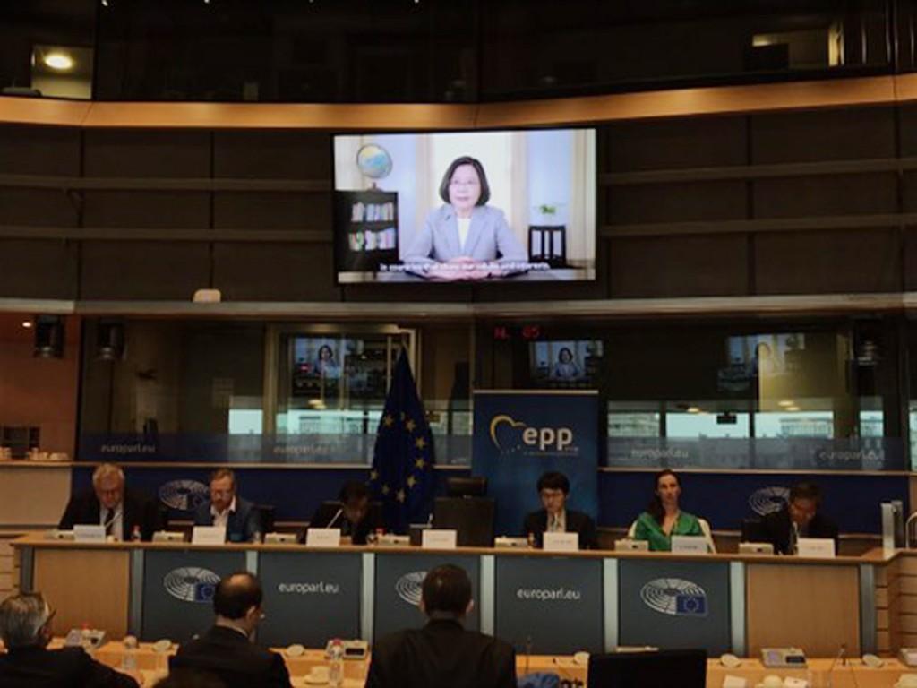 總統蔡英文3日在歐洲議會發表錄影談話