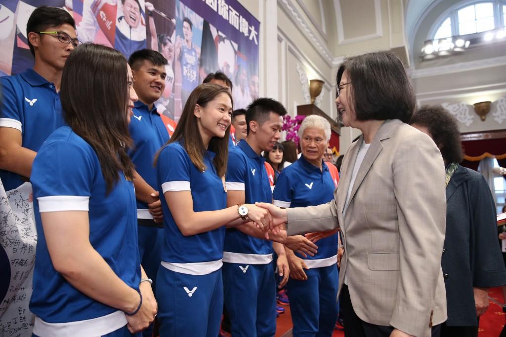 Tsai meeting athletes in Taipei, Sept. 4
