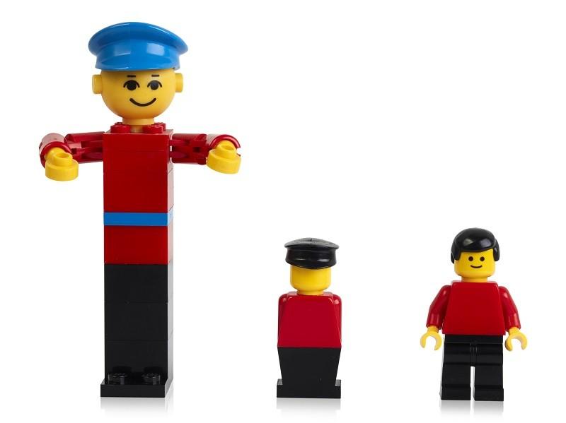 (photo courtesy of LEGO)