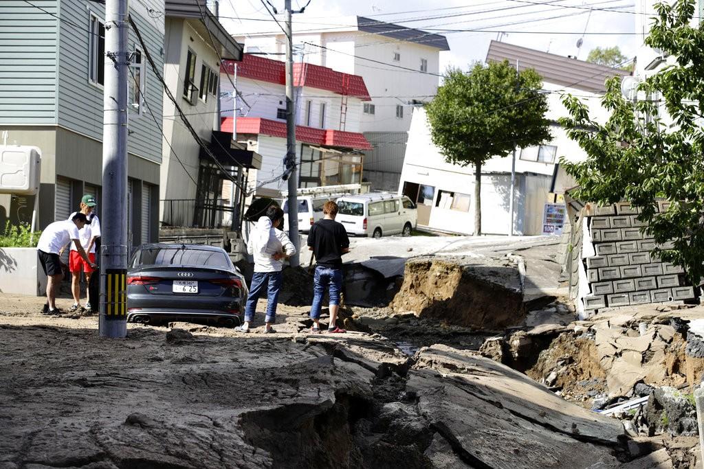 日本北海道2018年9月6日清晨發生芮氏規模6.7地震情況(共同社。美聯社提供)