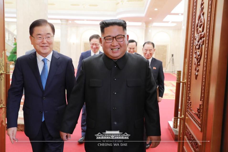 金正恩接見南韓總統特使團(翻攝自南韓總統府臉書)