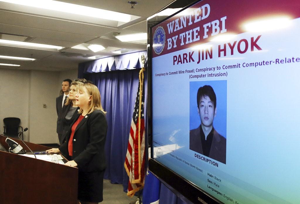 美國洛杉磯檢察官召開記者會,宣佈北韓駭客朴晉赫(Park Jin Hyok)遭到通緝(美聯社)