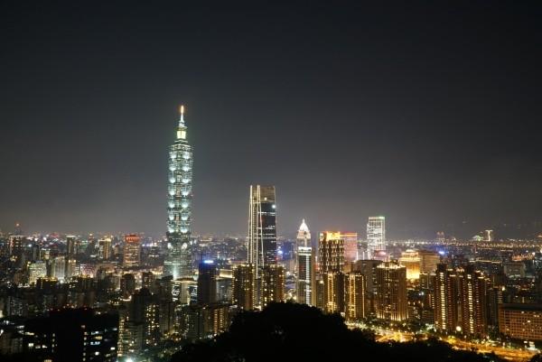 Taipei skyline from Elephant Mountain. (Photo by Gianluca Carusone)