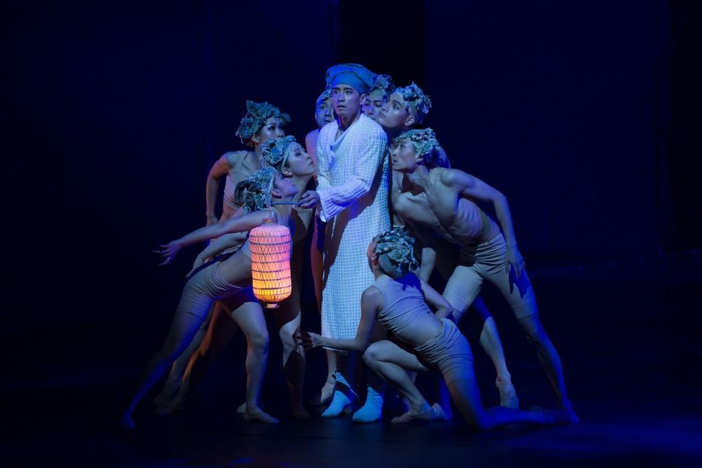 "Hong Kong Dance Company's adaptation of ""A Chinese Ghost Story""."
