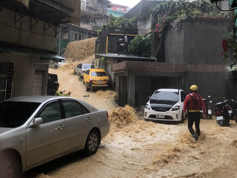 Flooding in Anle District, Keelung City on Sept. 9