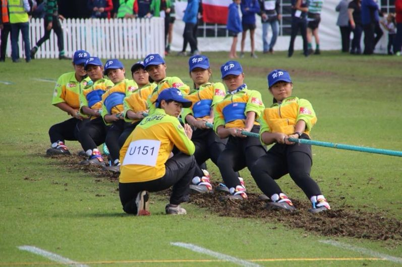 Taiwan women's team pulls for gold in the under-23 500-kg event at the TWIF Open in S. Africa (Image from CTTWA)