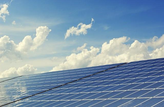 Solar cells. (Image courtesy of Pixabay)