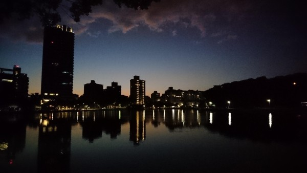 Twilight in Taipei. (Photo by Jason Chang)