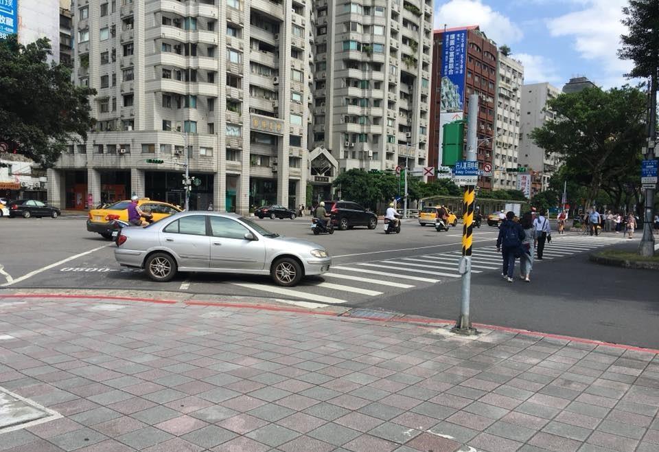 台北市道路交通(台灣英文新聞攝)